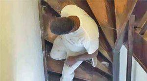 Devis travaux peinture vieux cage d'escalier en couleur